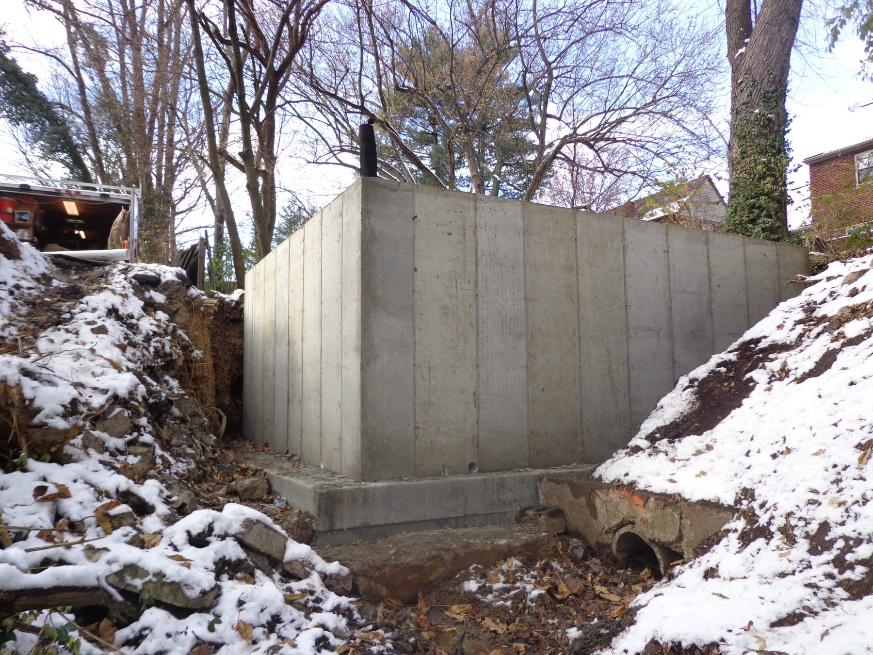 Poured Concrete Retaining Wall Forms : Poured concrete retaining wall cincinnati ohio hughes